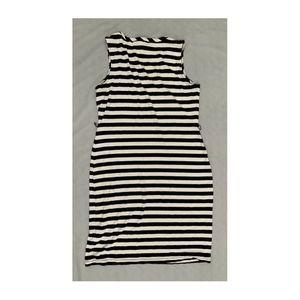 Banana Republic Dresses - Sleeveless Navy Banana Republic Striped Dress